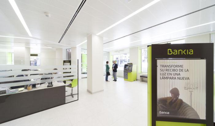 Torre serrano 47 philips lighting for Bankia oficina movil